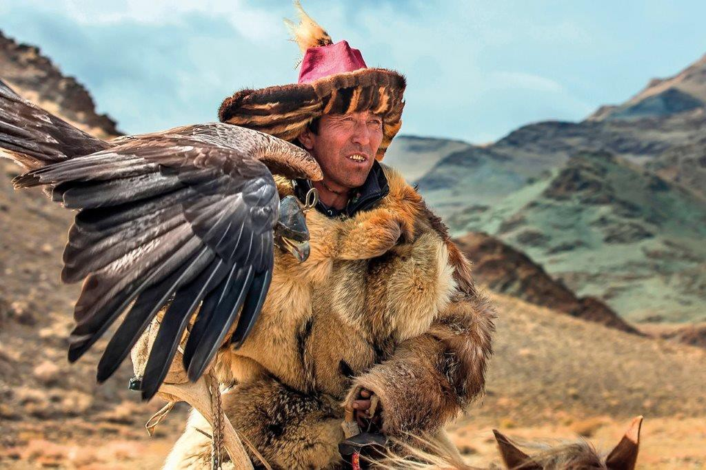 Golden-Eagle-Festival-in-Mongolia-09.jpeg